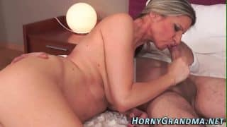 Busty hot cougar creamed
